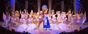 Review of Beauty and the Beast at the Chanhassen Dinner Theatres